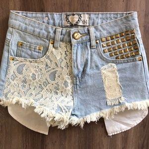 Boohoo distressed high-waisted Jean shorts